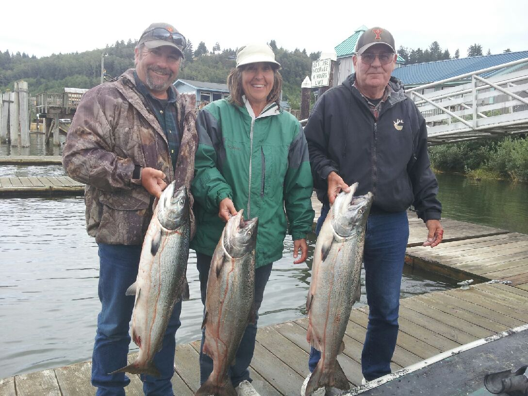 Fishing on the umpqua river is great memory makers rogue for Salmon fishing in oregon
